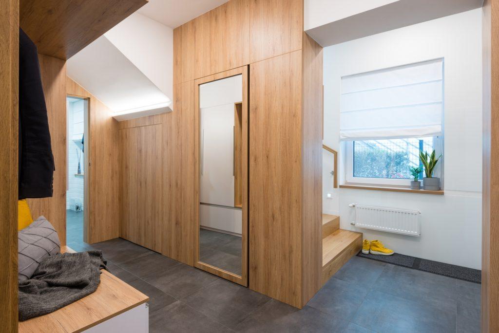 Modern Home Entrance Decor