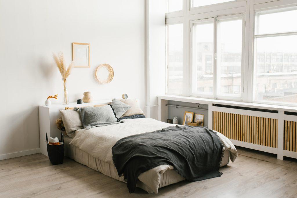 Minimal Silver Bedroom