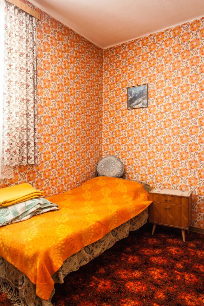 Orange Wallpaper Bedroom