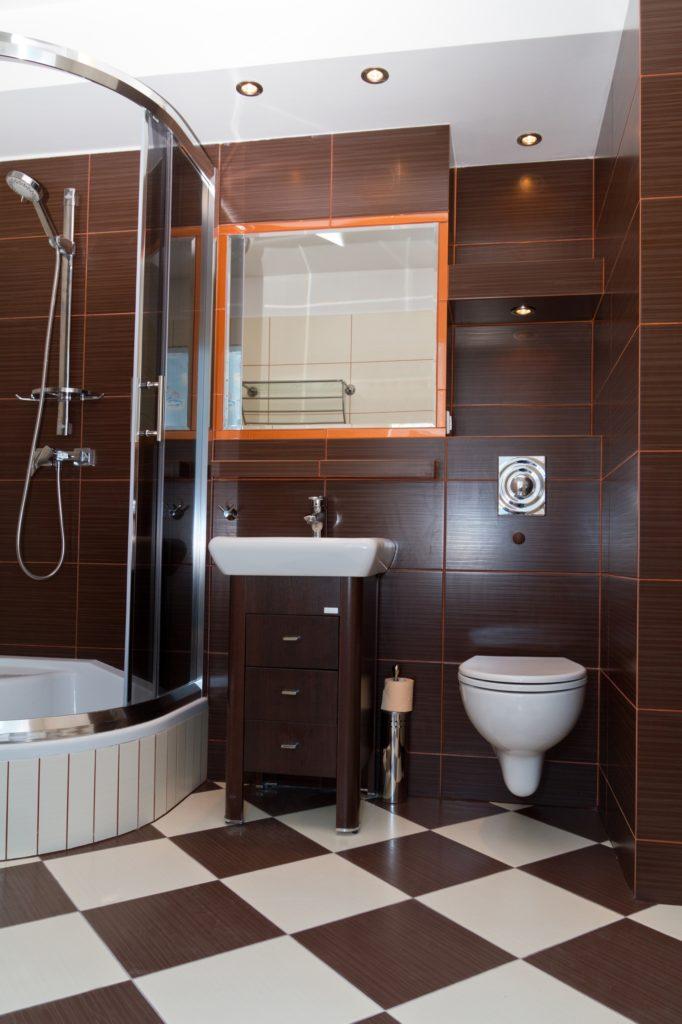 Brown Checkered Bathroom