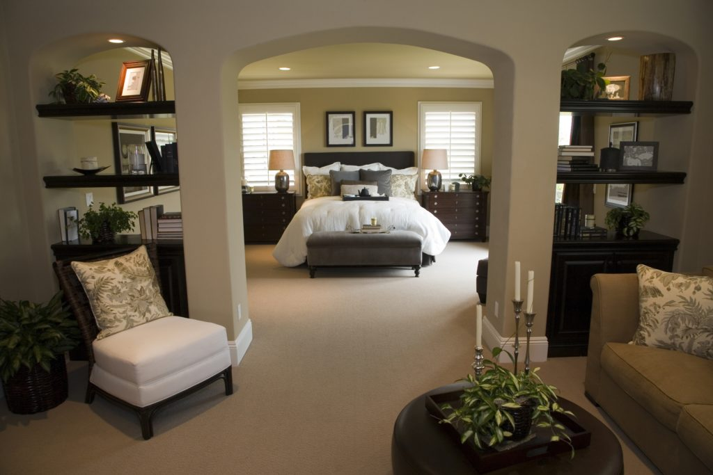 Classic Mansion Decor for Contemporary Bedroom