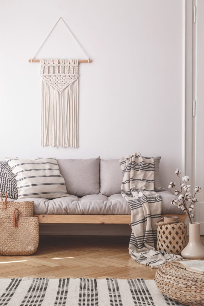 Contemporary Country-Cottage Décor with Beige Couch and Pillows