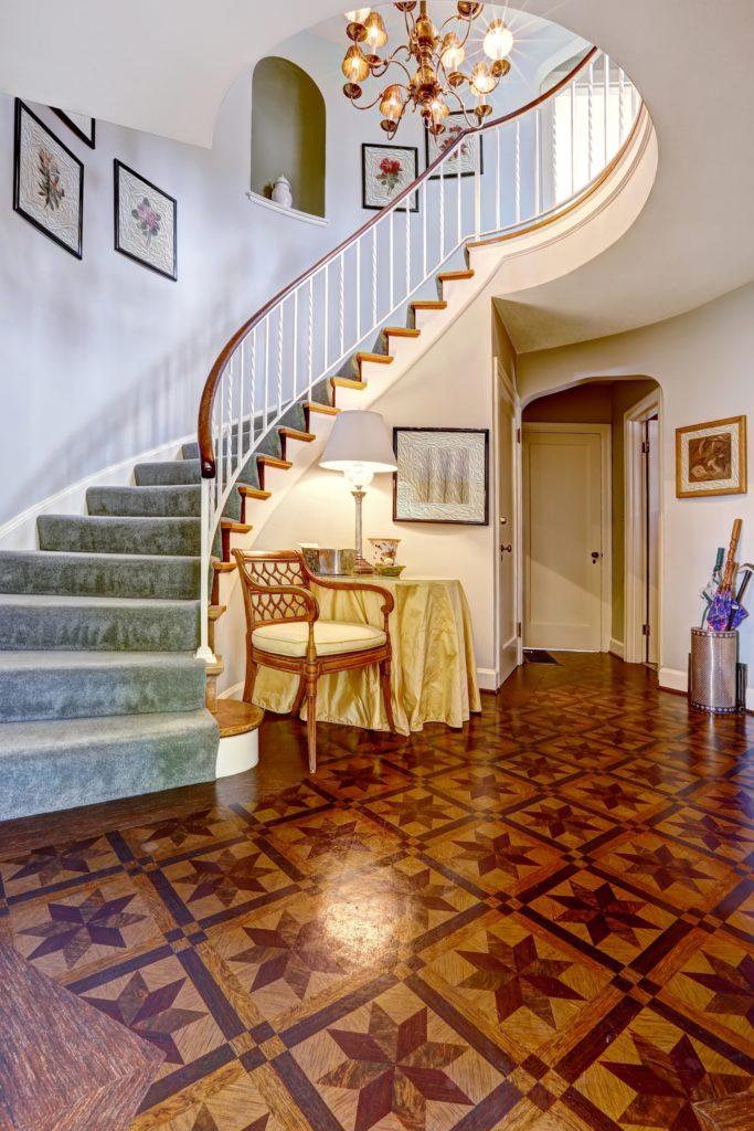 Hardwood Floor Foyer