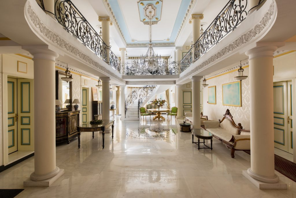 Luxurious Mansion Entrance
