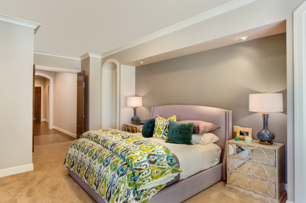 Mansion Bedroom Idea with Stylish Color and Comfort