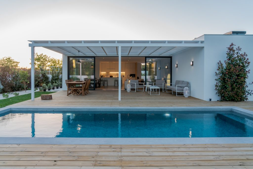 Modern Pool and Deck