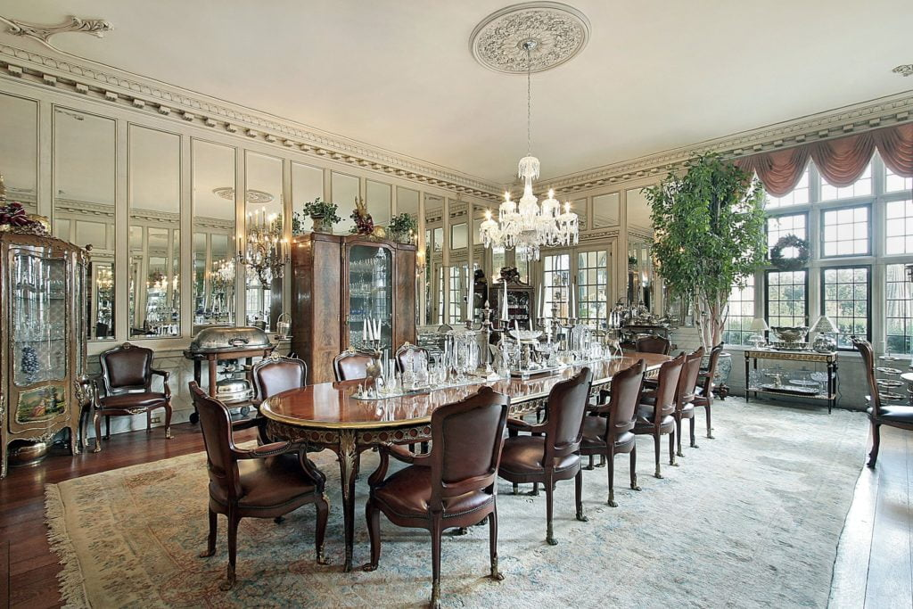 Traditional Mansion Dining Room