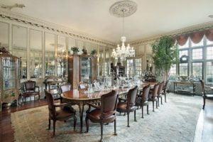 Traditional Mansion Dining Room
