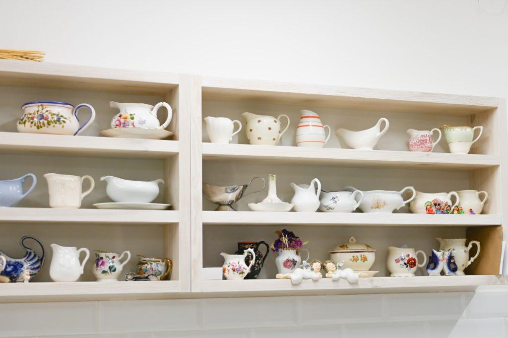 Teapots Shelves
