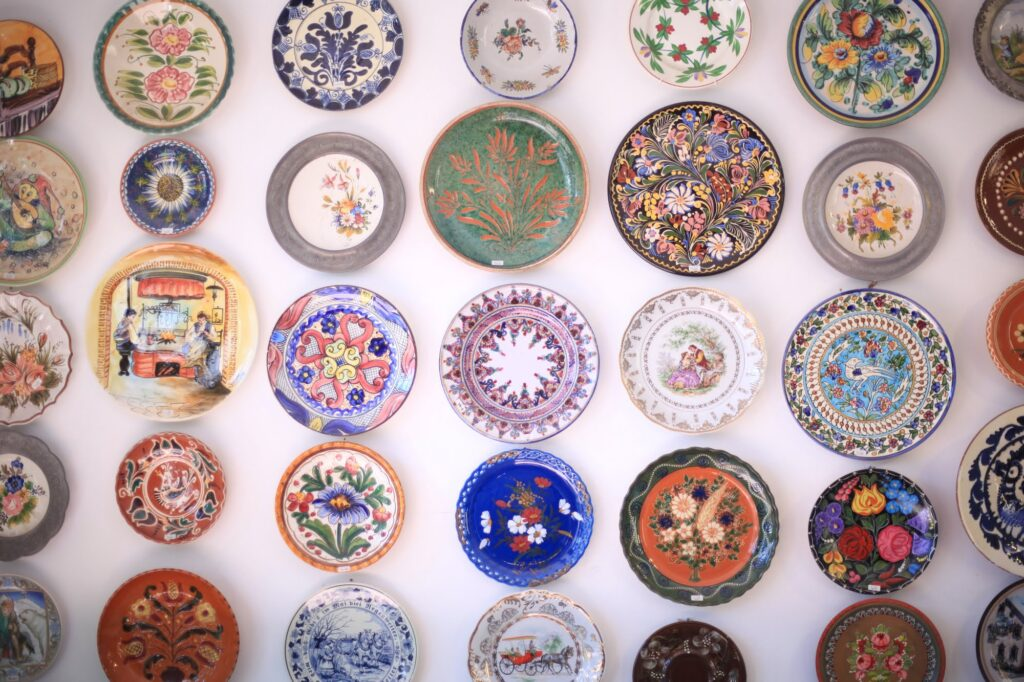 Plates hanging on the wall